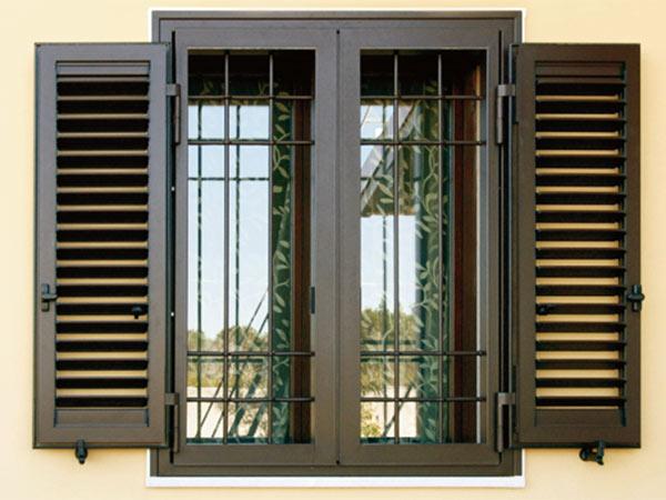 Finestre blindate modena bologna costi prezzi scuri persiane serramenti di sicurezza - Porte e finestre blindate ...